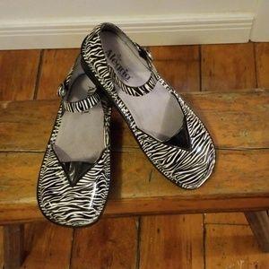 Alegria Zebra Sandals Mad-420 Size 38 EUC
